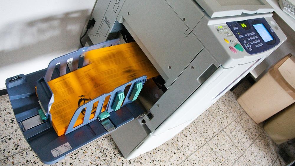 печать цветных листовок